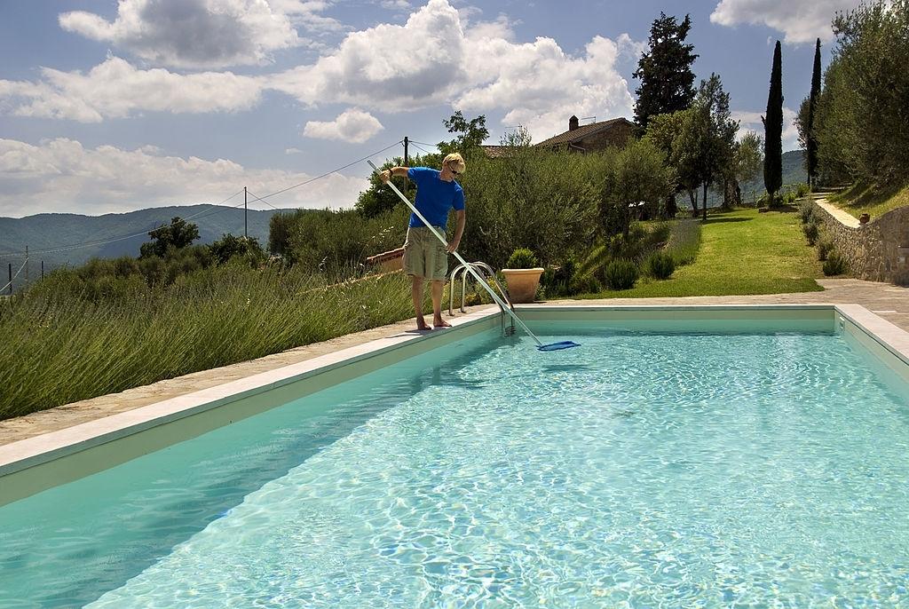 Pool Cleaning Cheektowaga
